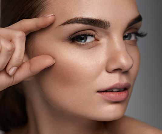 Blepharoplasty model 02 (eyelid surgery), Inigo Cosmetic Brisbane