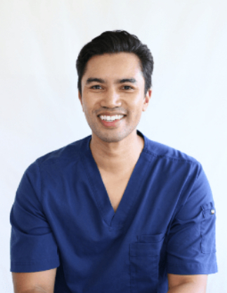 Cosmetic surgeon Dr Ian Chinsee profile 05-1